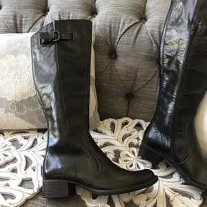 Born Tall Leather Boots NEW Woman's 8